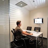 Besprechung, Videokonferenz, Bürokonzept